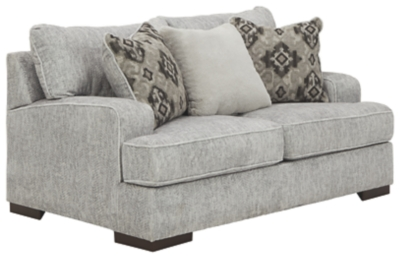 Modesto Loveseat
