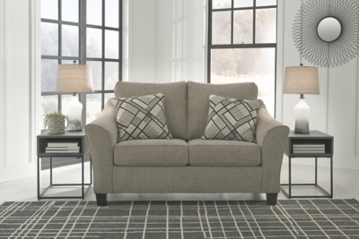 Barnesley Loveseat