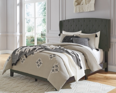 Vintasso Queen Upholstered Bed