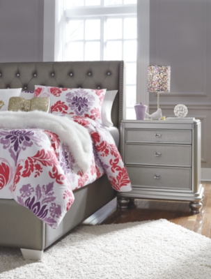 Carina Full Upholstered Bed