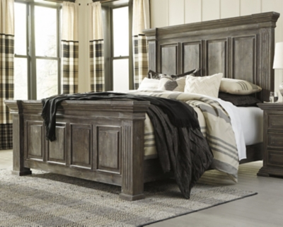 Woodacre Queen Panel Bed